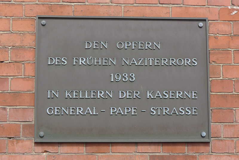 Memorial plaque at Werner-Voß-Damm 62
